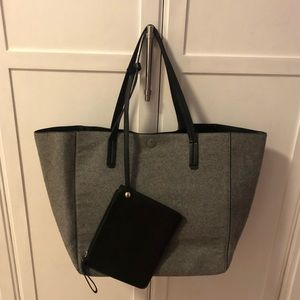 Large reversible target tote - faux leather